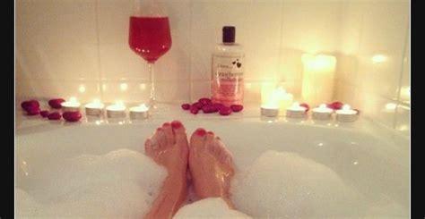ich liege jetzt seit gestern abend  der badewanne voll