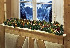 Girlande Weihnachten Beleuchtet : die girlande zu weihnachten so kann sie gebastelt und aufgeh ngt werden ~ Frokenaadalensverden.com Haus und Dekorationen