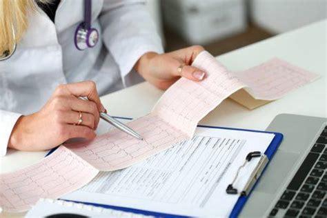 Schonung ist bei einer herzmuskelentzündung für die behandlung oberstes gebot. Was ist eine Myokarditis? - Besser Gesund Leben