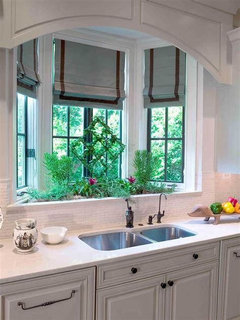 kitchen bay window 4 gorgeous kitchen sink ideas