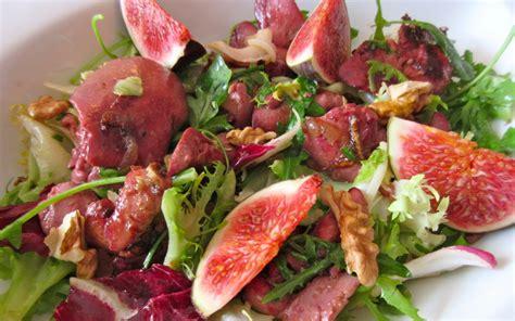comment cuisiner les figues fraiches salade aux figues fraîches recette de salade aux figues