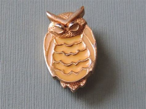 1970s Enameled Owl Pin Marked Pl It Is 34 Inches Long