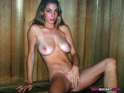 Real Amateur Wives Exposed Naked On Cam Pichunter