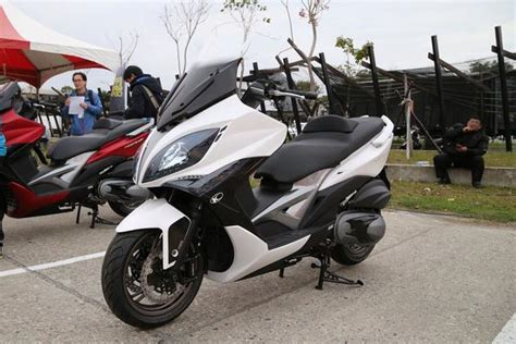 Kymco Xciting 400i Modification by Kymco Oem Xciting 400 Windshield Taiwan Big Scooter