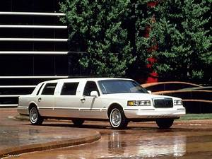 Pictures Of Lincoln Town Car Limousine 1995 U201397  1280x960