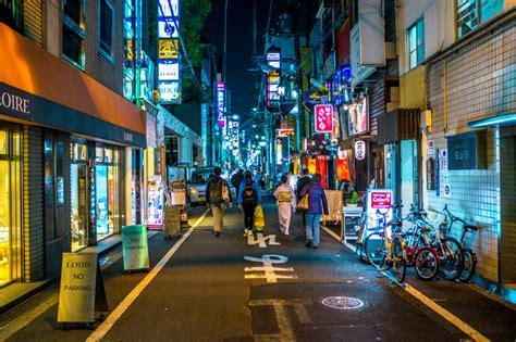 street scenes  osaka  city lane