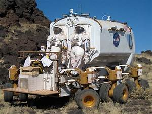 NASA - Past and Present: Field Testing For the Moon