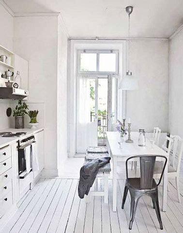 parquet flottant dans une cuisine parquet de cuisine carrelage imitation parquet amenagement cuisine sol cuisine moderne bois