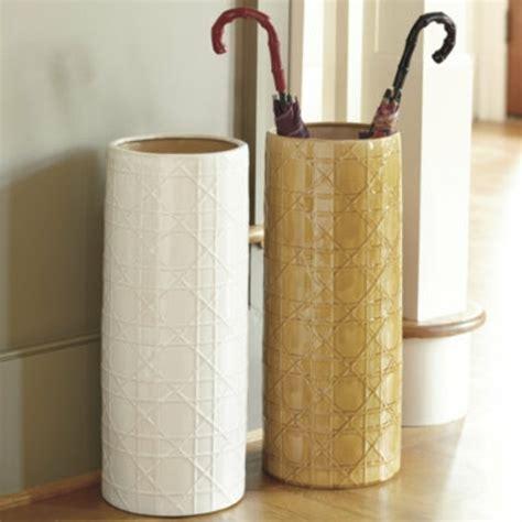etagere cuisine ikea un porte parapluie design pour le style et le confort contemporain à la maison