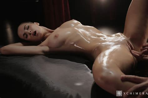 Lauren Crist Gets Massage Before Intense Fucking 2 Of 2