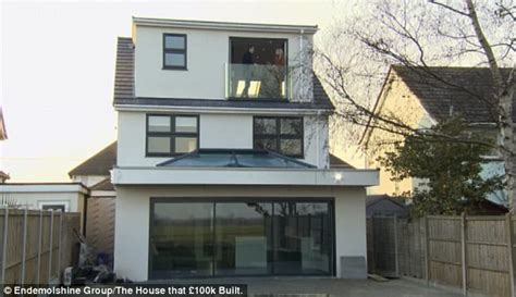 houses 100k the house that 163 100k built southend couple s dream home daily mail online