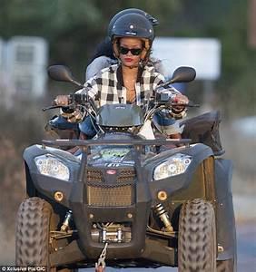 Stars Sur Un Quad : rihanna sips beer and puffs on a roll up as she goes quad bike on mediterranean getaway daily ~ Medecine-chirurgie-esthetiques.com Avis de Voitures