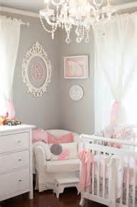 Deco Chambre Princesse Bebe by D 233 Co Murale Avec Un Cadre Baroque Ovale Sur Pinterest
