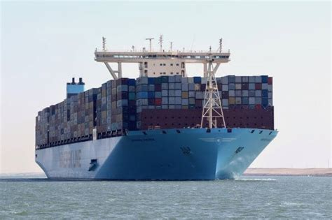 Biggest Boat In The World List by 10 World S Biggest Container Ships In 2017