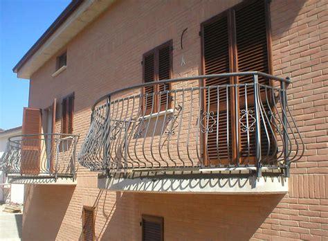 ringhiera in ferro battuto per esterno umbria assemblaggi s n c settore edile e lavori
