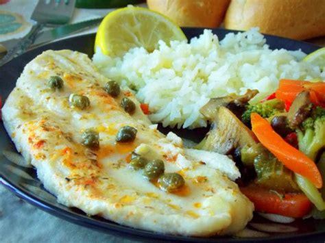 cuisiner un filet de cabillaud filet de poisson au four ou sole aux légumes sautées le