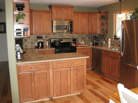maple kitchen cabinets to homeoofficee