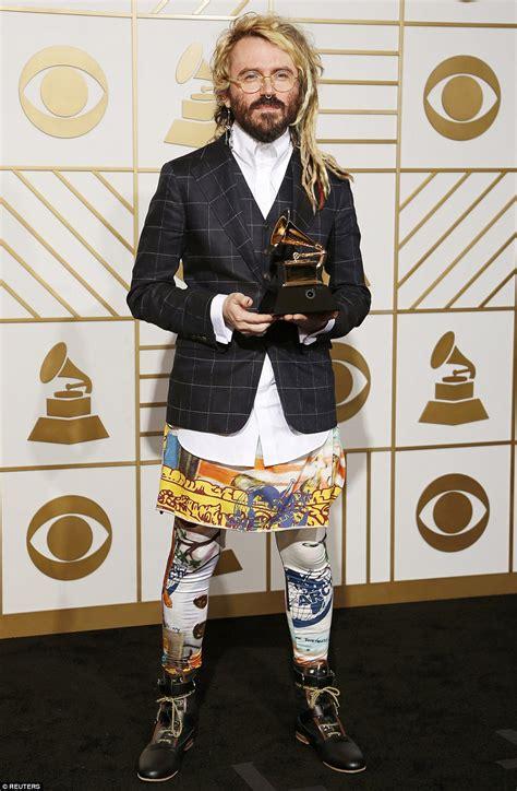 grammy awards worst dressed stars hit   time