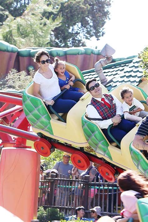 Jennifer Lopez visits Disneyland LA with her two twins Max ...