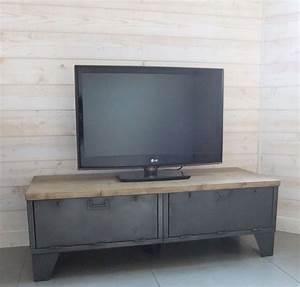 Meuble Industriel But : meuble tv industriel bas clapets version pic a en ~ Teatrodelosmanantiales.com Idées de Décoration