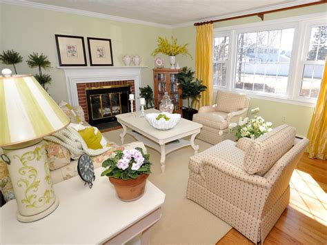 Cottage Livingrooms by 5 Ways To Brighten Your Home This Winter Diy Network