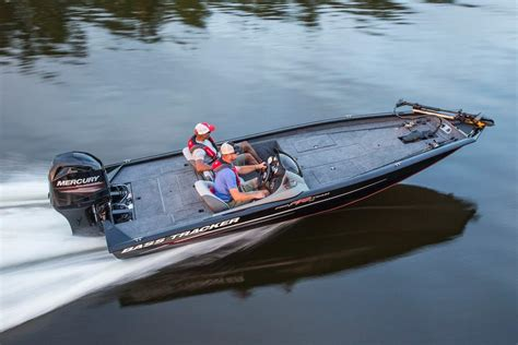 Bass Pro Boat Guides by Tracker Pro Team 190 Tx Basses For The Masses Boats