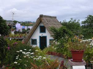 houten huis portugal gratis stock foto s rgbstock gratis afbeeldingen