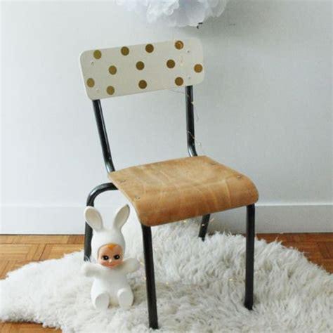 chaise d ecole les 25 meilleures idées de la catégorie chaises d 39 école sur école vintage bureau