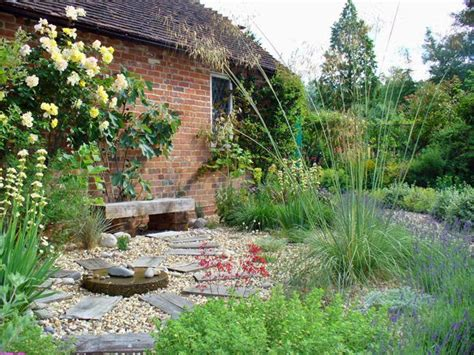 maintenance garden designs  maintenance gravel