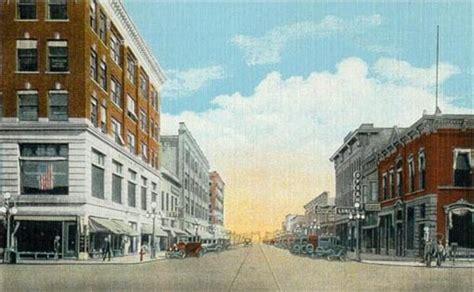 File:DeMers Avenue, Grand Forks, ND.jpg - Wikimedia Commons