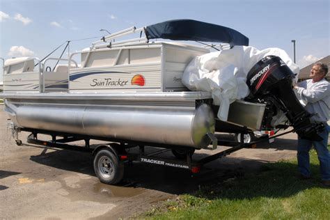 The Boat Motor And Trailer Have Weights by Pontoon Boat Weights On The Trailer On The Water