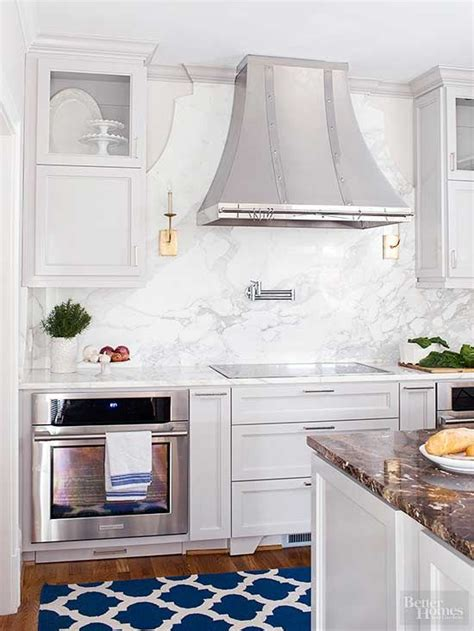 marble backsplash tiles kitchens marble backsplashes moldings countertop and hoods 7363