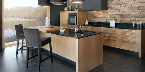 cuisine bois massif contemporaine réalisation d 39 une cuisine contemporaine en bois à bergerac