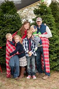 Family Picture Outfits on Pinterest