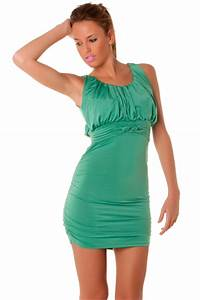 tres belle robe courte moulante verte les idees With robe verte moulante