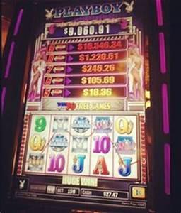 Godzilla on Monster Island Slot Machine