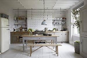 Deco cuisine blanc gris idee de modele de cuisine for Idee deco cuisine avec meuble blanc ceruse salle a manger
