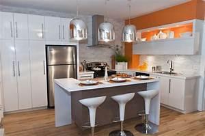 Brique De Parement Blanche : cuisine blanche avec brique de parement et mur couleur ~ Dailycaller-alerts.com Idées de Décoration