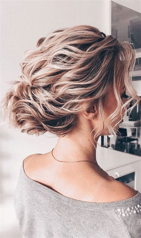 Wavy Half Updo Hairstyles by Gorgeous Hairstyles For Wavy Hair That For Any
