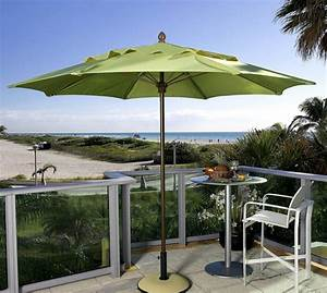 durch sonnenschirm balkon und garten vor der sonne schonen With französischer balkon mit sonnenschirm beleuchtet