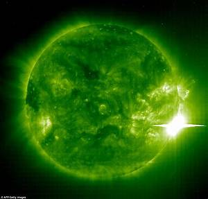 Nasa reveals huge 'coronal hole' on the sun's solar ...