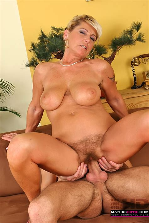 Russian Milf Has A Nice Fuckable Body And That Younger