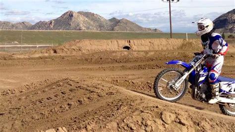 how to jump a motocross bike dirt bike jumps rs www pixshark com images