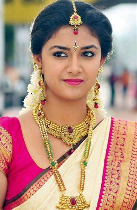 new years dreas keerthy keerthi suresh biography wiki height weight
