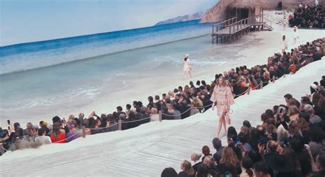Paris Fashion Week // Chanel Rtw 2019 Runway Is An Actual