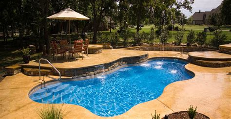 Pools : Anthony & Sylvan Pools