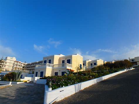 Zorbas Island Apartments In Kokkini
