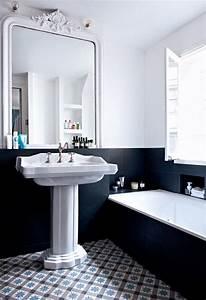 Une salle de bain noire et blanche melangeant les styles for Salle de bain design avec grossiste bougies décoratives