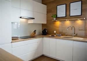 Moderne kuchen in eiche arbeitsplatte wandverkleidung for Küchen arbeitsplatte