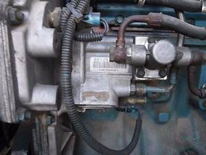 International Dt466e Fuel Injection Pump For A 1996